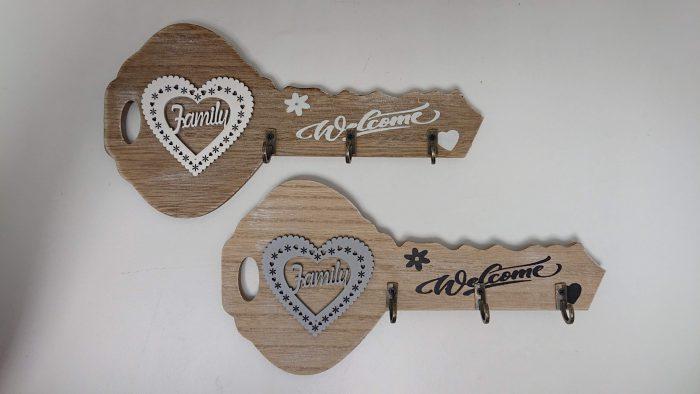 Vešiak na kľúče v tvare kľúča 24x12cm drevo