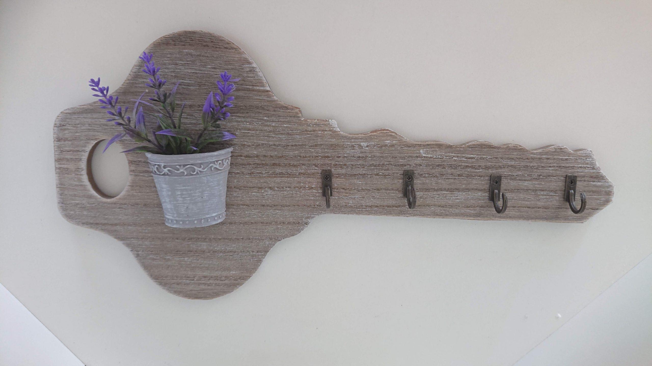 Vešiak na kľúče v tvare kľúča s levanduľou 34x16cm